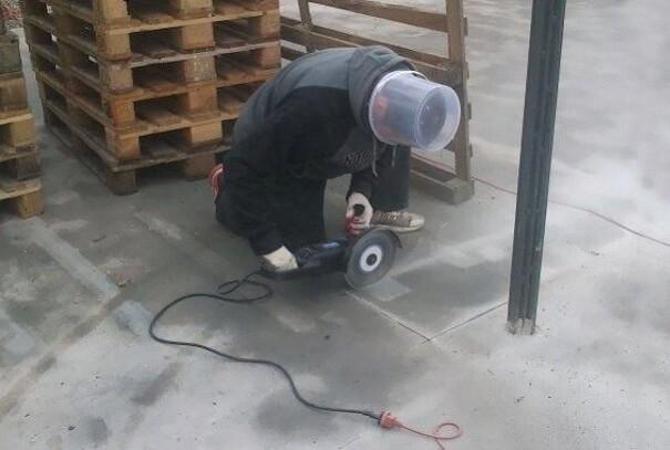 funny-photos-men-safety-fails-39__605