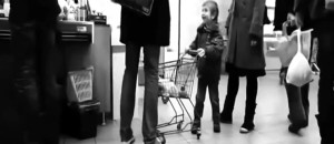Kid Slams Random Persons Leg Several Times With a Shopping Cart, The Guy Responds with Awesomeness