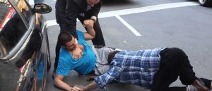 [WATCH] REAL New York Street fight. Some Grappling Skills Would Have Helped
