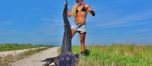 [WATCH] Girl Vs Gator